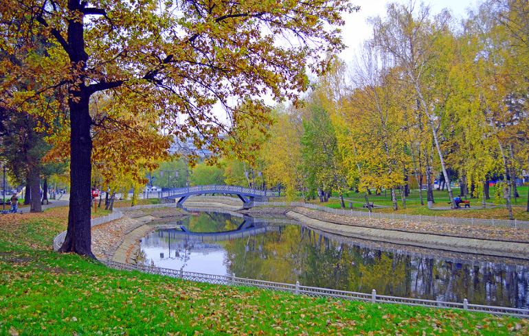 Лианозовский парк в Москве