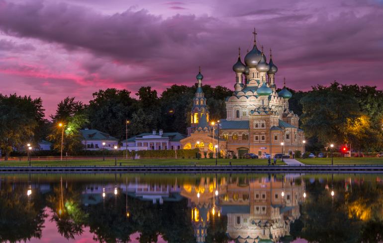 Останкинский пруд в Москве