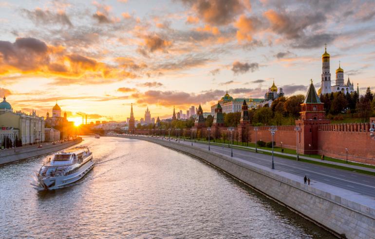 Теплоходная прогулка по Москве-реке от причала «Крымский мост»