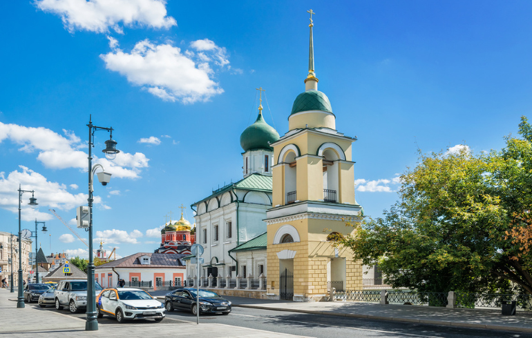Церковь Максима Блаженного на Варварке в Москве