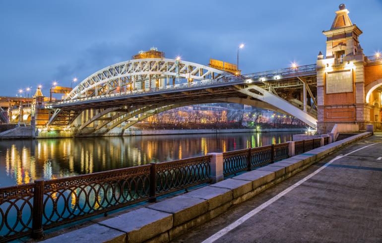 Андреевский железнодорожный мост в Москве