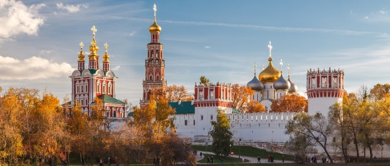 Пешеходная экскурсия по Новодевичьему монастырю и Новодевичьему кладбищу