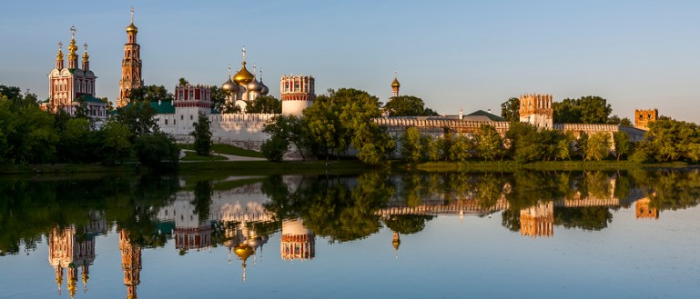 Пешеходная экскурсия по Новодевичьему монастырю с посещением Новодевичьего кладбища