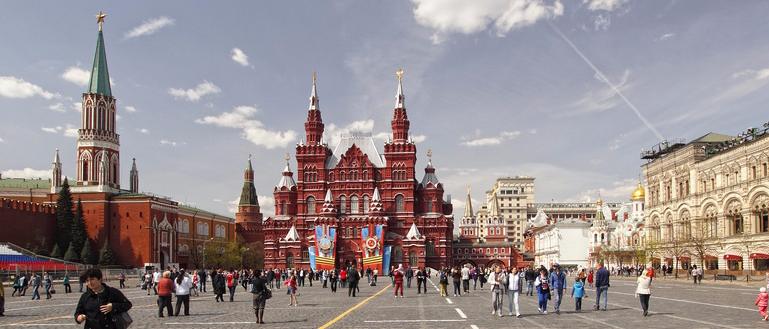Прогулка по Красной площади и Александровскому саду