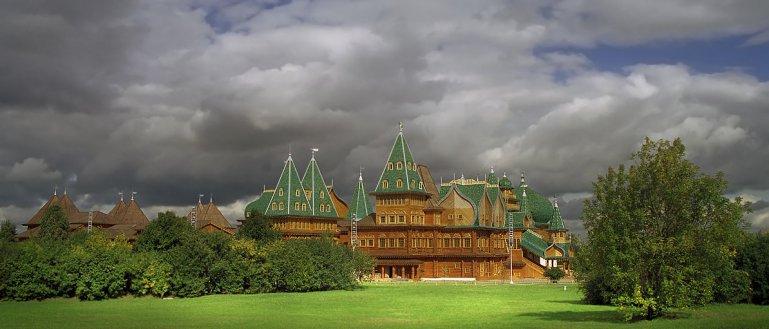 Пешеходная экскурсия по музею–парку и заповеднику Коломенское в Москве
