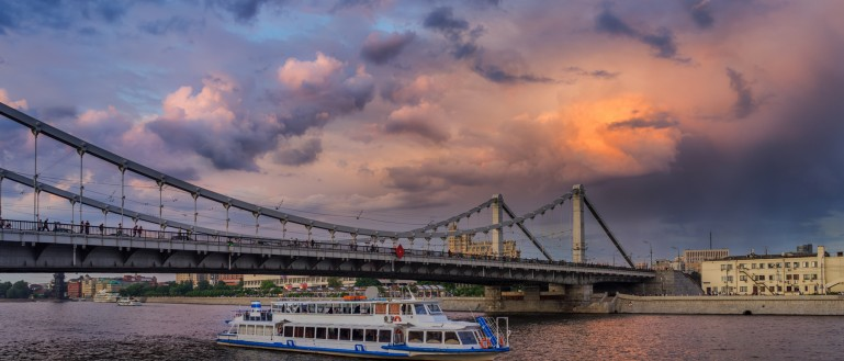 Путешествие по набережным Москвы–реки