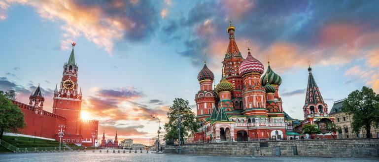 Пешеходная экскурсия – «Тайны ленинского склепа». Красная площадь. Башни Московского Кремля и собор Василия Блаженного