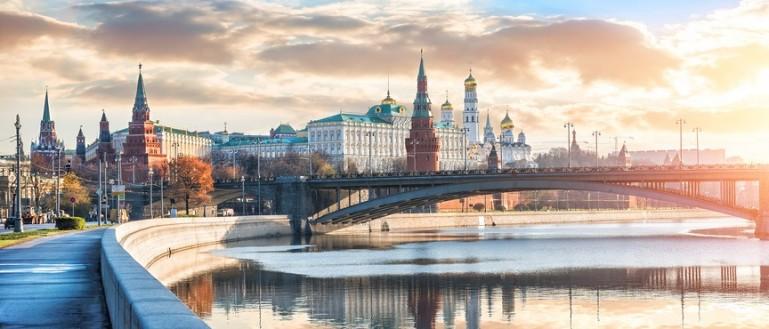 Речная теплоходная прогулка по Москве–реке от парка Горького с экскурсоводом